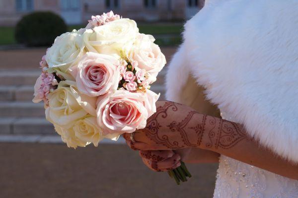 Fleuriste lyon pour livraison de fleurs trois couleurs for Livraison fleurs lyon